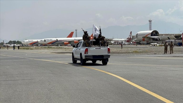 ABD askerlerinin terk ettiği Kabil Havaalanı'nı AA görüntüledi